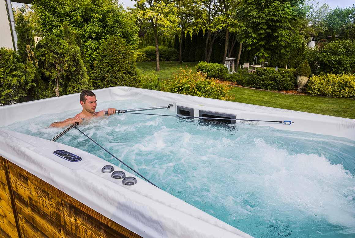 Гребля в плавательном СПА-бассейне